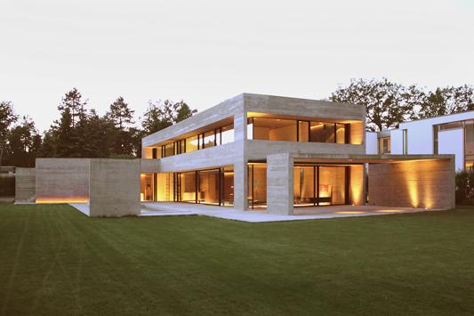 einfamilienhaus in braunschweig querum beigefarbener sichtbeton mit s gerauer brettstruktur. Black Bedroom Furniture Sets. Home Design Ideas