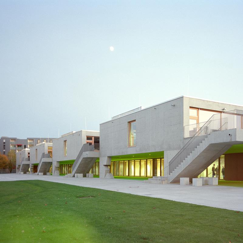 grundschule am arnulfpark in m nchen konsequent geplante sichtbetonoberfl chen objekte. Black Bedroom Furniture Sets. Home Design Ideas