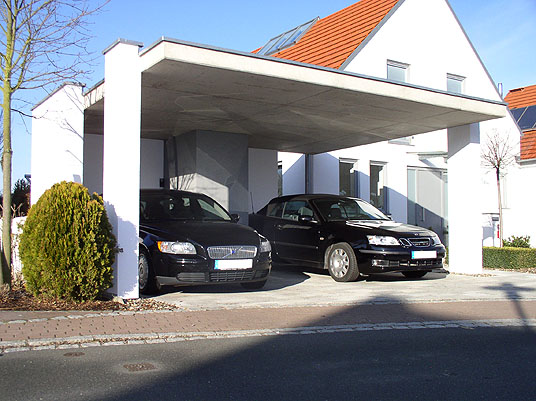 Offene garage in obermichelbach carport in sichtbeton for Carport doppelcarport