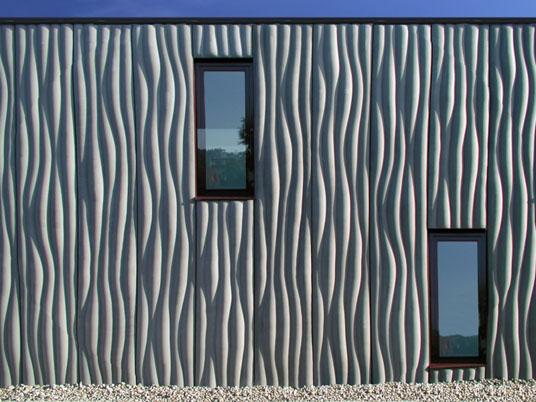 einfamilienhaus in lauterach a betonfassade mit wellenstruktur objekte. Black Bedroom Furniture Sets. Home Design Ideas