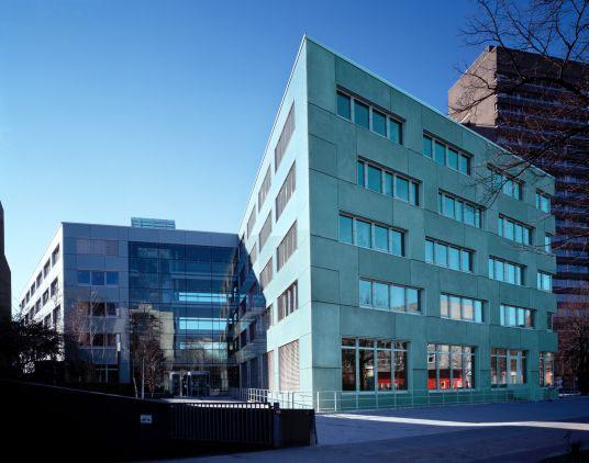 Zentrum Für Marine Und Atmosphärische Wissenschaften In Hamburg - Farbige betonplatten