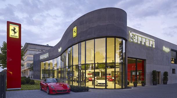 neues ferrari autohaus in m nchen. Black Bedroom Furniture Sets. Home Design Ideas