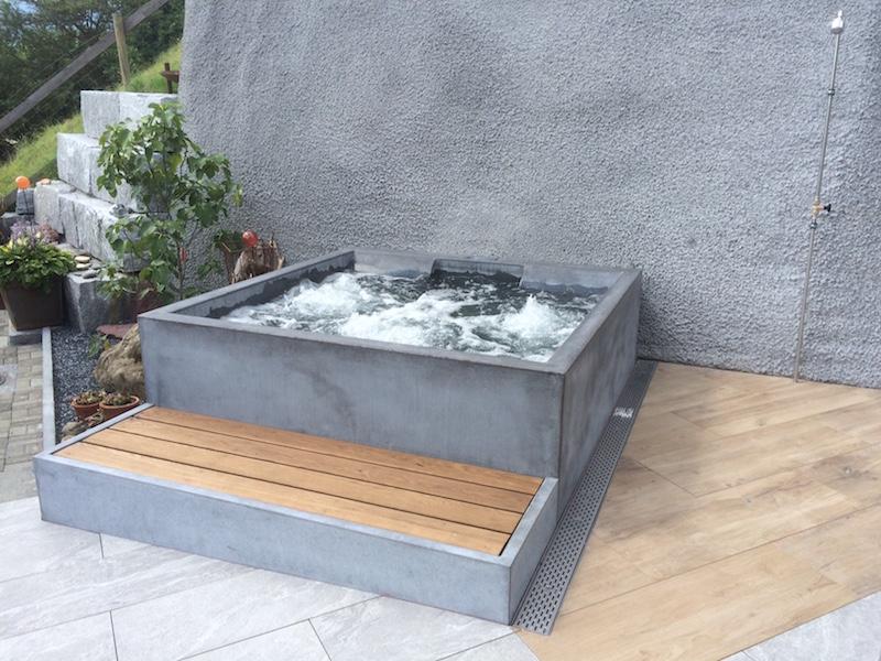 baden in beton. Black Bedroom Furniture Sets. Home Design Ideas
