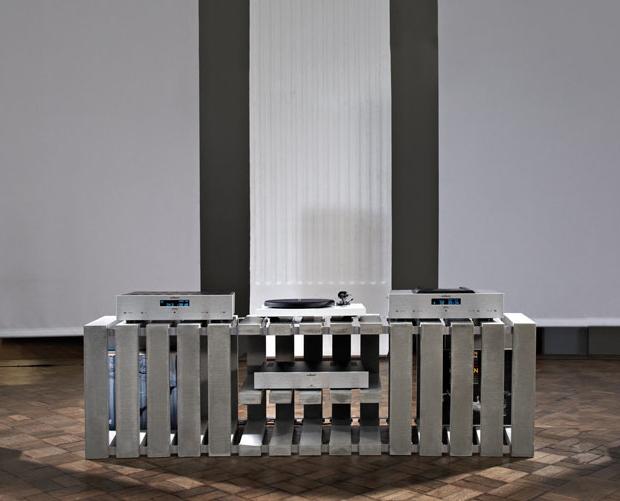lowboard mal anders. Black Bedroom Furniture Sets. Home Design Ideas